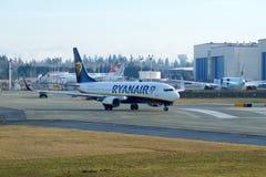 EVERETT, WASHINGTON, EUA - 26 de janeiro de 2017: Um Gen seguinte MSN 44766 de Ryanair Boeing 737-800 brandnew, registro EI-FTP Foto de Stock Royalty Free