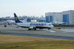 EVERETT, WASHINGTON, EUA - 26 de janeiro de 2017: Um Gen seguinte MSN 44766 de Ryanair Boeing 737-800 brandnew, registro EI-FTP Imagens de Stock Royalty Free