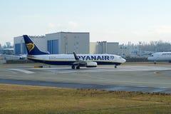 EVERETT, WASHINGTON, EUA - 26 de janeiro de 2017: Um Gen seguinte MSN 44766 de Ryanair Boeing 737-800 brandnew, registro EI-FTP Imagem de Stock
