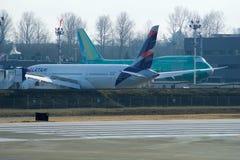 EVERETT, WASHINGTON, U.S.A. - 26 gennaio 2017: Sito di produzione di Boeing, la fabbrica enorme all'aeroporto della contea di Sno Fotografia Stock