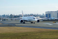 EVERETT, WASHINGTON, USA - JAN 26th, 2017: Brand new Japan Airlines Boeing 787-9 MSN 34843, Registration JA867J lining Royalty Free Stock Photography