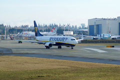 EVERETT WASHINGTON, USA - JANUARI 26th, 2017: Splitterny Ryanair Boeing 737-800 en nästa Gen MSN 44766, registrering EI-FTP Royaltyfria Bilder