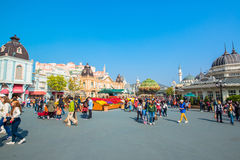 EVERLAND, YONGIN, KOREA - OKTOBER 25: De niet geïdentificeerde toeristen reizen en genieten van winkelend op 25 Oktober, 2014 in  Stock Fotografie