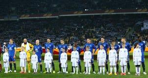Everton spelare som står i linje för runda för UEFA-Europaliga av den andra matchen för ben 16 mellan dynamo och Everton med dyna Fotografering för Bildbyråer
