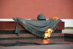 Evig flamma i Alexander Garden, Moskva Arkivfoton