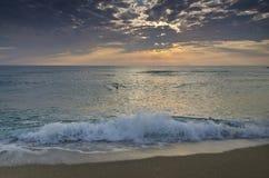 Evighet på bulgarisk sandig kust royaltyfri bild