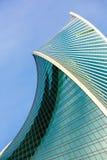 Evolución abstracta de la arquitectura Torre de la evolución de las ventanas del rascacielos en Moscú Fotos de archivo libres de regalías