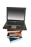 Evolución de los libros a los ordenadores Imagen de archivo libre de regalías