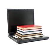 Evolutie van boeken aan computers Stock Fotografie