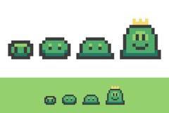 Evolutie van pixelslimes van klein aan koningsslijm Royalty-vrije Stock Afbeelding