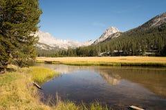 Evolutievallei op John Muir Trail stock foto