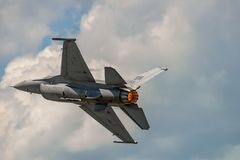 Evolutionen av falken för F 16 Arkivfoto