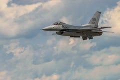 Evolutionen av falken för F 16 Arkivfoton