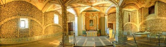 Evora kapell av ben royaltyfri bild