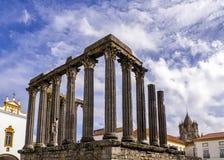evora roman tempel fotografering för bildbyråer