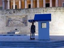 Evzones die Graf van Onbekende Militair, Grieks het Parlement Huis, Athene, Griekenland bewaken royalty-vrije stock afbeelding