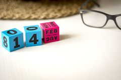 Ewiger Kalender eingestellt am Datum vom 14. Februar Lizenzfreie Stockfotos