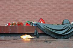 Ewiges Flame- Wardenkmal in Moskau Stockfotos