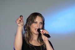 Exécution chrétienne de Christine D Clario de chanteur Photos stock
