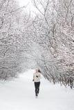 Exécution dans la neige Images libres de droits