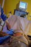 Exécution de chirurgie de Laparoscopic Photo libre de droits