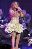 Exécution de Mariah Carey sous tension. Photo libre de droits