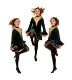 Exécution irlandaise de trio de danseurs photo stock