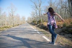 Exécution sur une route rurale Image stock