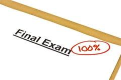 Exame final identificado por meio de 100% foto de stock