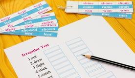 Exame inglês na tabela com lápis Imagem de Stock