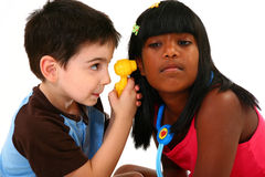 Examen d'oreille Image stock