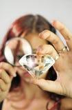 Examen d'un diamant géant Image libre de droits
