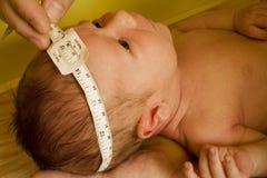 Examen infantile de santé Photographie stock libre de droits