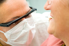 Examinação no dentista foto de stock