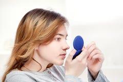 Examinación de la piel Foto de archivo libre de regalías