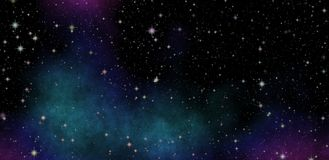 Examination l'espace lointain Ciel nocturne foncé complètement des étoiles Photographie stock libre de droits