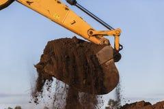 Excavador Bucket Earth de los terraplénes Imágenes de archivo libres de regalías
