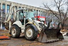 Excavador de la construcción de carreteras Imagen de archivo libre de regalías