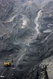 Excavador de la explotación minera Fotografía de archivo libre de regalías