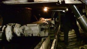 Excavador de la mina de carbón metrajes