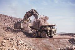 Excavador enorme mining Fotografía de archivo