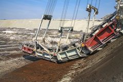 Excavador gigante en una mina de carbón Imágenes de archivo libres de regalías