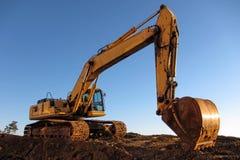Excavador hidráulico en el emplazamiento de la obra Imágenes de archivo libres de regalías