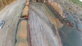 Excavador Takraf Ers 710 de la explotación minera de la arena metrajes