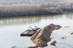 Excavation sur la rivière Photos libres de droits