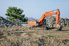 Excavator on the construction of a bridge in Kerch Stock Photography