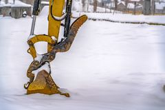 Free Excavator Digging Snow On A Winter Day In Utah Stock Images - 139881894