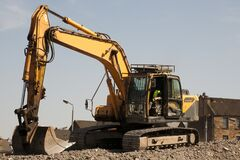 Free Excavator During The Demolition Of A Building Royalty Free Stock Photo - 216828015