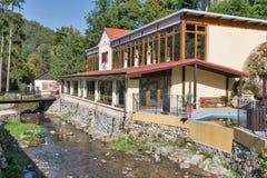 Excave el baño del balneario en Sklene Teplice, Eslovaquia Foto de archivo libre de regalías