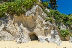Excave en una playa, parque nacional del tasman de Abel, Nueva Zelanda 2 imagen de archivo libre de regalías